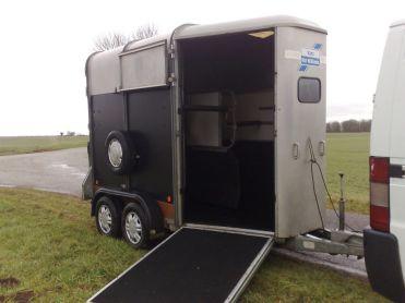 van pour chevaux pas cher. Black Bedroom Furniture Sets. Home Design Ideas